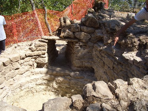 scavi-archeo-bismatova-27-29-7-2012