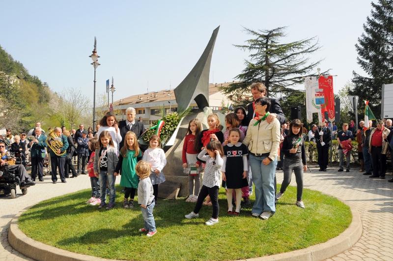 inaugurazione-monumento-benevelli-10
