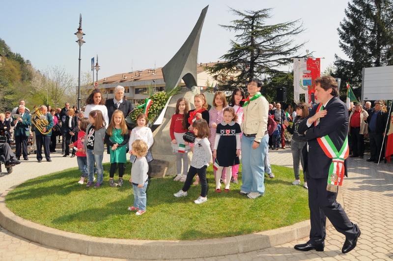 inaugurazione-monumento-benevelli-11