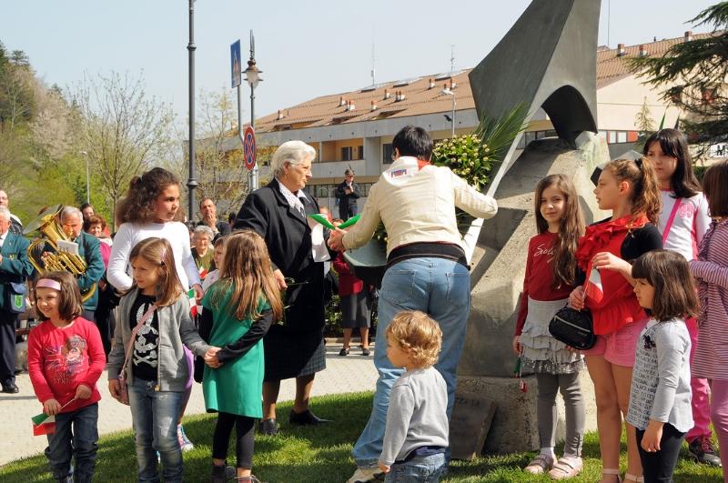 inaugurazione-monumento-benevelli-12