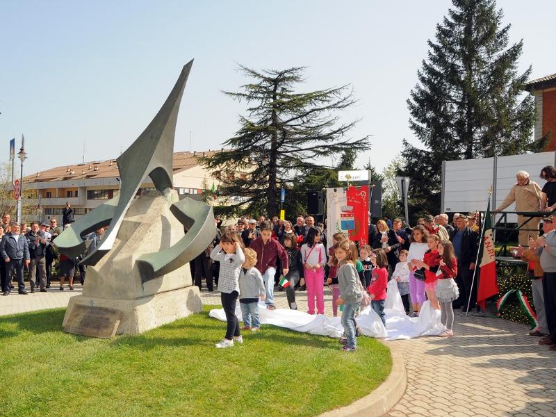 inaugurazione-monumento-benevelli-4