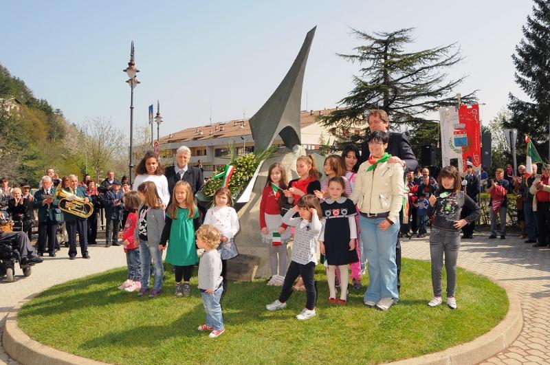 inaugurazione-monumento-benevelli-9