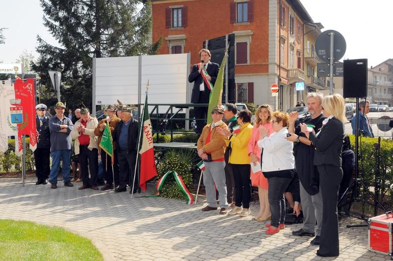 inaugurazione-monumento-benevelli-marconi