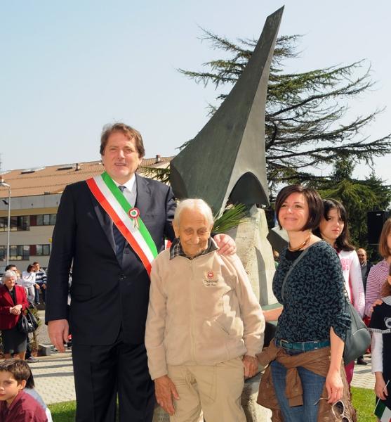 inaugurazione-monumento-benevelli-marconi-benevelli-e-correggi-1