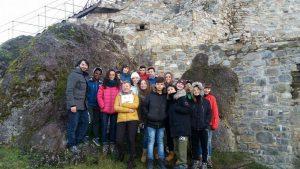 Uno dei due gruppi del Regina Pacis in visita alla Rocca
