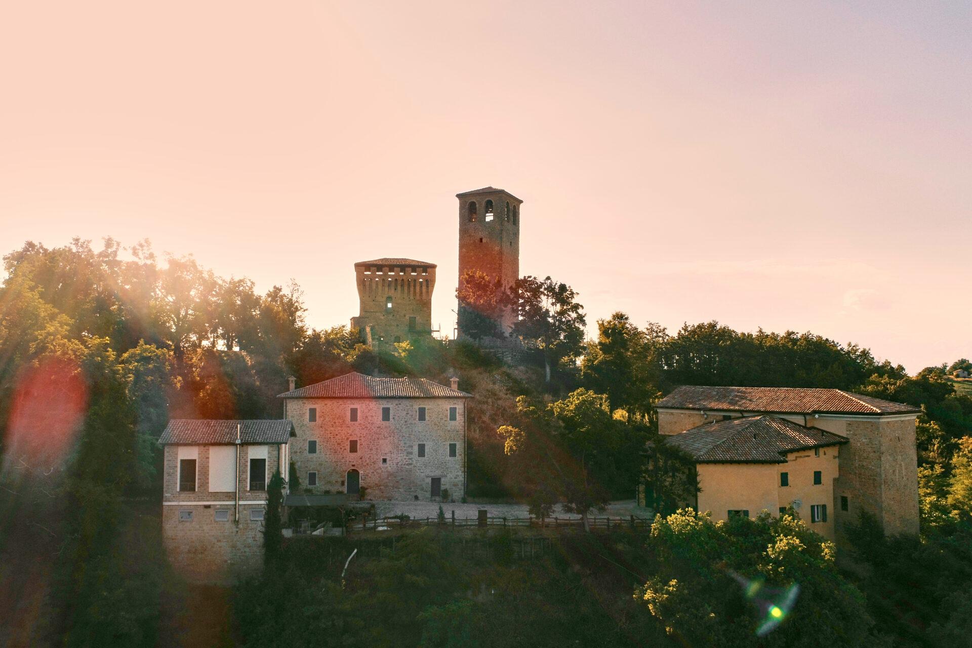 Al Castello di Sarzano l'inaugurazione del Borgo BiancoMatilde sabato 31 luglio