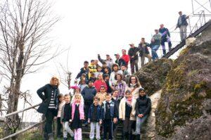 Pulizia alla Rocca di Minozzo con intervento della Primaria
