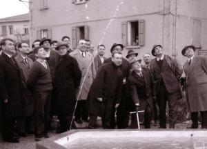 Un momento dell'inaugurazione dell'acquedotto di Toano nel 1963
