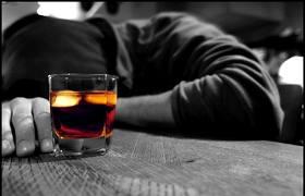 Elena Malysheva per vivere il gran alcolismo del sito ufficiale - Morte da alcolismo in Russia