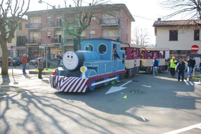 La festa di carnevale di canossa redaconredacon - Ricci mobili ciano d enza ...