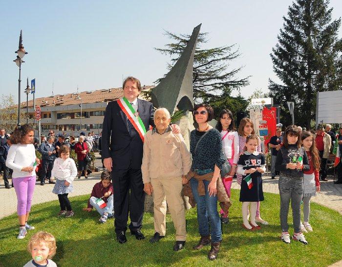 Inaugurazione monumento Benevelli