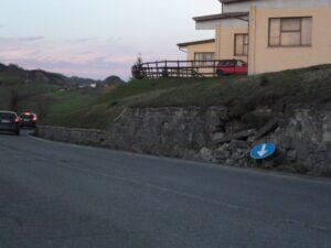 Muretti rotti SS 63 bivio Campolungo (31.3.2015)