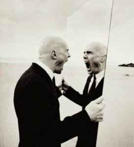 Sul senso di inferiorit dell uomo e sullo sforzo di - Magritte uomo allo specchio ...