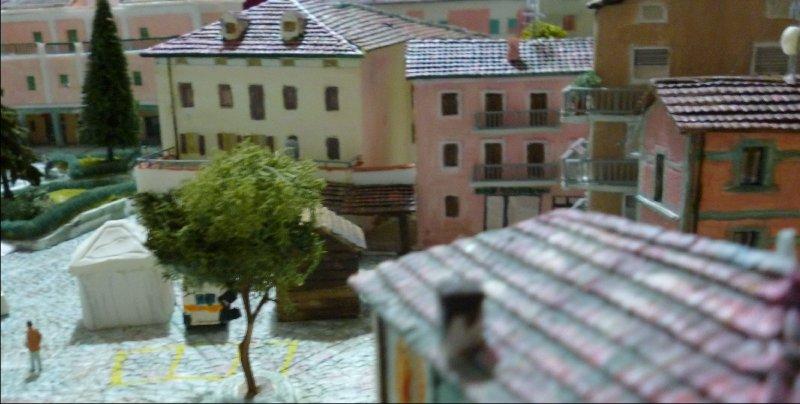 Piazza Peretti 2