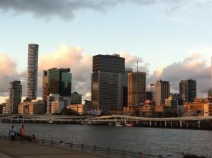 Un giorno a passeggio lungo il fiume a Brisbane