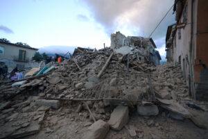 "Amatrice, 24 agosto 2016 (FILIPPO MONTEFORTE/AFP/Getty Images) Fonte ""Il Post"""