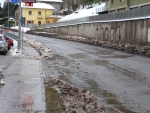 Via Micheli asfalto rovinato 3 (26.2.2015)