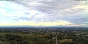 la pianura reggiana e le Alpi viste dai Colli di Borzano