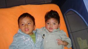 Juansito e Jhonni alla Casa de los Niños, Bolivia